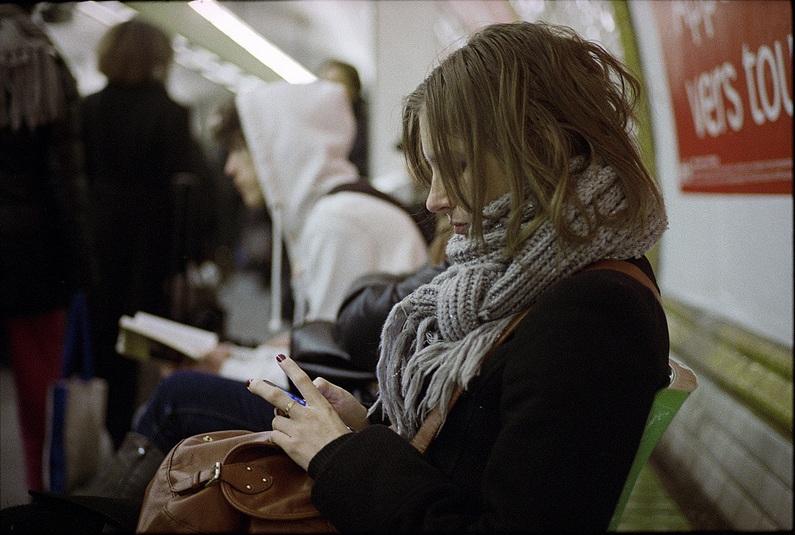 http://www.bricabook.fr/wp-content/uploads/2013/11/metro-paris-kot.jpg